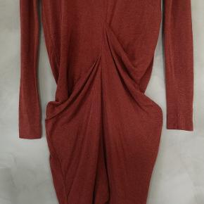 Lækker kjole fra By Malene Birger. Str XXS og meget stor i størrelsen. Passer str 34/36. Nypris 1500 kr.