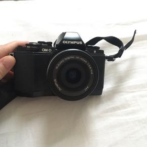 Et perfekt kamera som næsten ikke er blevet brugt. Jeg har stadig æske til kameraet. Ledninger og oplader følger med.