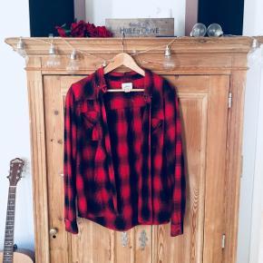 Sød rød skovmandsskjorte fra levis
