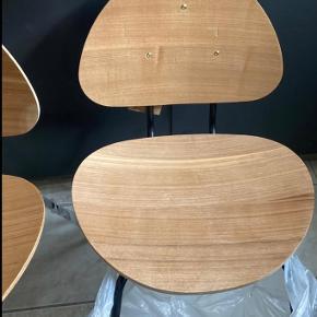 Har 2 stole tilbage.