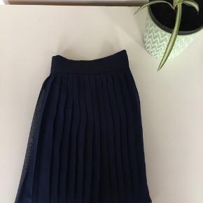 Chiffon-nederdel fra American Apparel 🌸