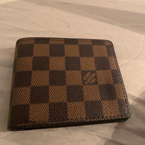Fake Louis Vuitton pung