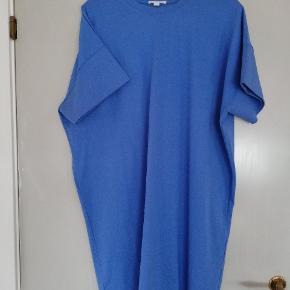 Oversize kjole - Kun brugt en enkelt gang Sender gerne med DAO - Køber betaler
