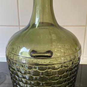Flaske/vase  Kan bruges som sparegris, pynt eller vase  Kun fantasien sætter grænser
