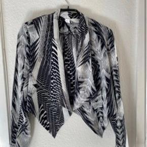 H&m jakke str 34  -fast pris -køb 4 annoncer og den billigste er gratis - kan afhentes på Mimersgade 111 - sender gerne hvis du betaler Porto - mødes ikke andre steder - bytter ikke
