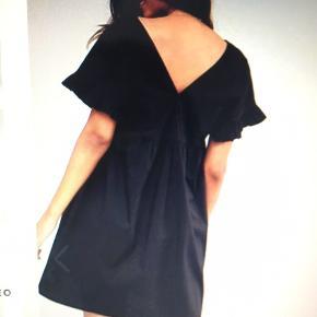 Fin sort kjole fra ASOS  100% bomuld