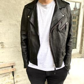 Weekday skind- & læderjakke