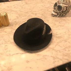 Don Paris hat - købt i Magasin for 2 år siden.