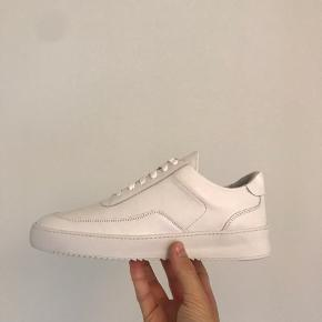 Filling Pieces Low Mondo Ripple