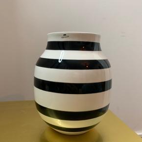 Sælger den berømte Kähler vase. Meget fin stand, det er kun bunden der ser slidt ud.