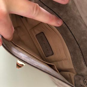 Fin ruskinds clutch, brugt en del gange men har ingen brugsspor.  Nypris 1200kr.