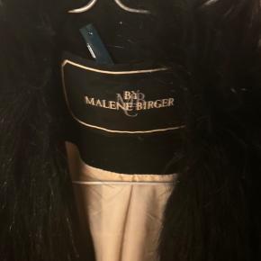 Fake fur jakke fra By Malene Birger. Passer egentligt alle størrelser 👍🏼