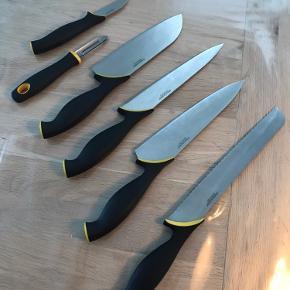 Fiskars køkkenknive, 6 stk. 200kr.  Afhentes i Juelsminde