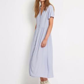 Så fin kjole! Eneste grund til denne sælges er fordi jeg ikke kan passe den om brystet.