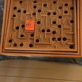Labyrint spil fra BRIO . Ny pris er fra kr 299,- Sælger dette for kr 50,- køber betaler Porto