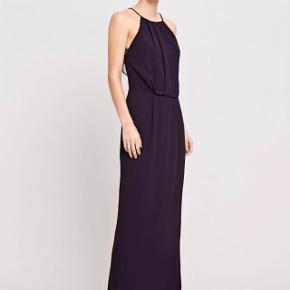 """Super fin kjole - modellen """"willow dress, long"""" i farven """"total eclipse"""". Kun brugt til galla, så den er stort set som ny."""