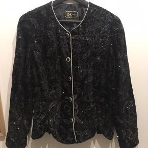 Smukkeste vintage blazer med glimmer, helt perfekt til og pifte et hvert outfit op ✨