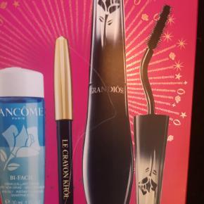 Lancôme Mascara Grandiôse - Billigste pris jeg kan finde på nettet 260 kr - Min MP er 139,- 1 stk. Lancôme Mascara Grandiôse 10 gr. - Black 1 stk. Lancôme Eyeliner Le Crayon Khôl 0,7 g - Black 1 stk. Lancôme Bi-Facil Eye Makeup Remover 30 ml