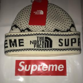 Supreme x the north face Hue  Mp 400kr  Bin 625kr