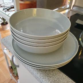 ikea tallerkener og skåle  3 tallerkener og 4 skåle   Skål 20 cm diameter Tallerken 25 cm diameter
