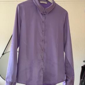 Sælger denne fine skjorte fra second female💕💕 kun brugt få gange