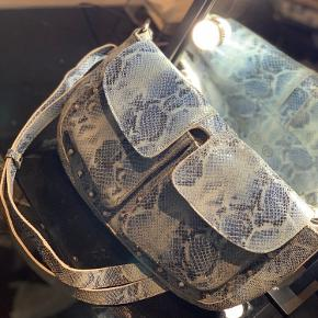 Sælger denne unlimit Emily taske  Brugt 2 gange