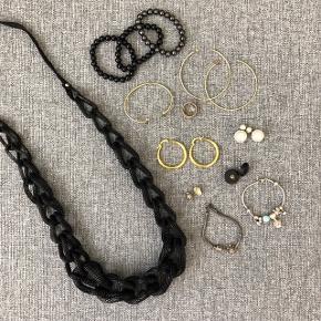 Forskellige smykker sælges  Kom med et bud :)