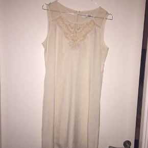 MIXXO dress i str M , med fine sten