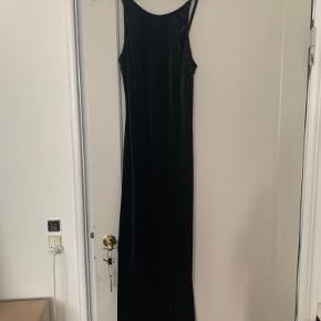 Sort maxi kjole i velour