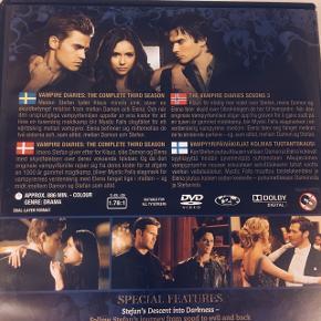 """""""The Vampire Diaries"""" - Sæson 3 og 4 Sælges samlet for 40 kr. Sender med DAO • Køber betaler fragt"""