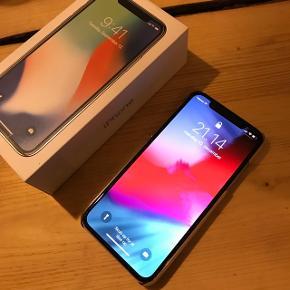 Sælger denne iPhone X, med 64GB virker perfekt. Den er omkring et halvt år gammel. Bytter også til en iPhone 8, der maks er et halv år + penge min vej.