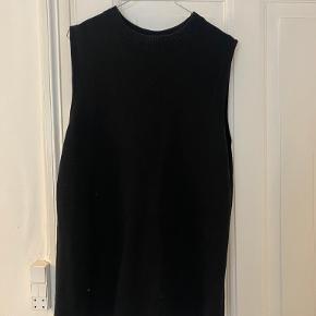 COS vest