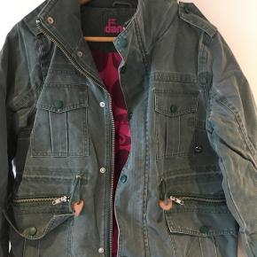 Fed kort danefæ jakke, kort model - brugt meget lidt