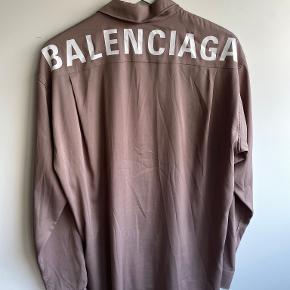 Balenciaga skjorte