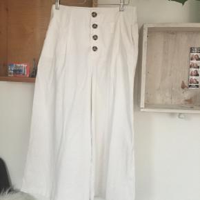 smukke vidde bukser fra zara 🌻 nypris omkring 300kr køber betaler fragt