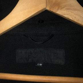 Sort super fin Meotine jakke. Modellen hedder Mathilda Coat, og koster 2.800kr fra ny. Kom endelig med bud!