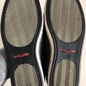 Hub vinter sneaker brugt kun en gang. Standen er 99% som ny. Str.40