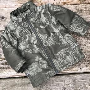 Flot jakke med med tigerprint