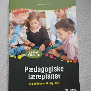 Pædagogiske Læreplaner. God fagbog der beskriver og giver idéer til arbejdet med de pædagogiske læreplaner.  Et fejlkøb, aldrig brugt.