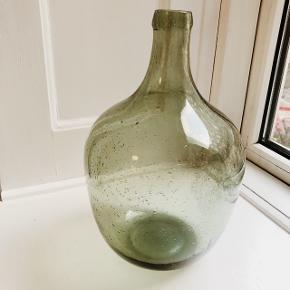 Fin glas vase. Ingen fejl. Skal afhentes på Vesterbro