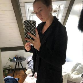 Sælger denne sorte frakke  Minder om IRO