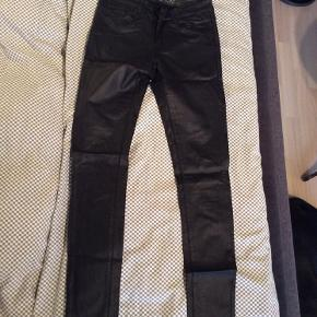 Sorte læderbukser Str s/32 aldrig brugt