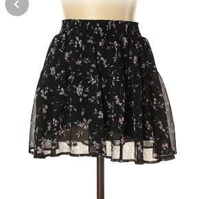 Sød nederdel, passer str S :)