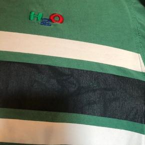 H2O t-shirt, lidt slidt, som vist på billedet
