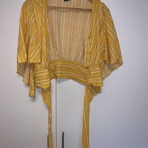blusen er brugt få gange, så den er som ny <3 BYD