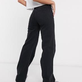 Monki yoko jeans, str 25 :)