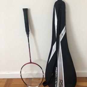 Badmintonketcher fra forza. Alm standartketcher, god til nybegyndere Hylster fra rsl følger med. Sælges for 150 Kan hentes i nærheden af Roskilde eller sendes for købers regning