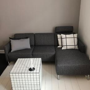 Sofa fra Idémøbler sælges. Nypris 6800,- udgået model, så kan ikke længere fåes.  Kommer fra røgfrit hjem uden dyr. I rigtig god stand. Skal afhentes i Valby.