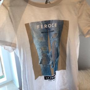 T-shirt fra only tror jeg har brugt den cirka 2 gange og købte den sidste sommer
