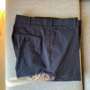 "Straight leg bukser fra UNIQLO U.  Str. 34"" Brugt én gang."